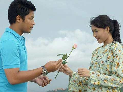 Kamal Adli dan Intan Ladyana dalam drama 'Seribu Kali Cinta'. - Foto TV3