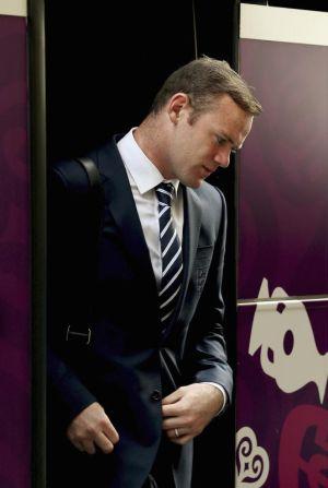 Rooney tiba di Krakov bersama pasukan England pada, Rabu.