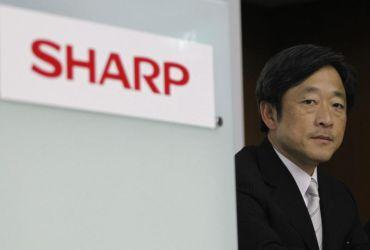 Gambar fail Presiden Sharp Mikio Katayama pada Jun 2011. Syarikat pembuat barangan eletronik Jepun itu akan menukarkan jawatan presiden itu, yang akan diambil alih oleh Takashi Okuda pada 1 April. - REUTERS