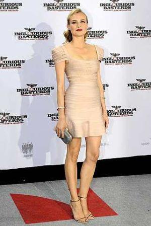 Pelakon German Diane Kruger bergambar ketika menghadiri tayangan perdana filem barunya 'Inglourious Basterds' di Berlin. foto-AFP
