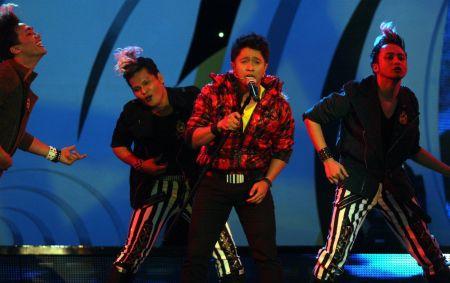 Daus ketika menjayakan Konsert Reunion AF9 di Stadium Putra Bukit Jalil pada 10 Oktober lalu. - Foto oleh SAMUEL ONG