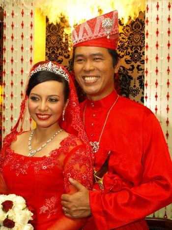 Emelda dan Adlin diijabkabulkan pada 23 Mei lalu di Ipoh, Perak.
