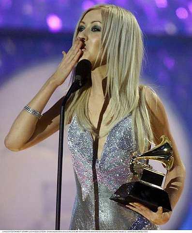 Christina Aguilera ingin menikmati bentuk badan langsingnya sekarang. - Foto REUTERS