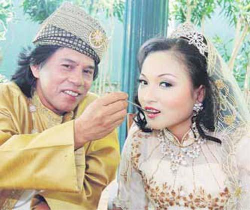 Shidee dan Siti Fairunnisa ketika majlis resepsi perkahwinan mereka pada 1 Februari lalu di Bandar Bukit Sentosa, Bukit Beruntung.