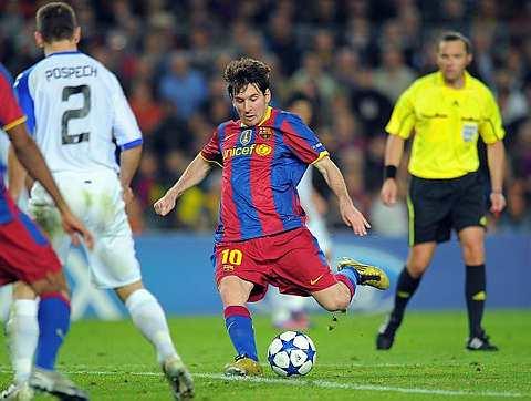 Messi menghadiahkan dua gol untuk Barca ketika bertemu Copenhagen.