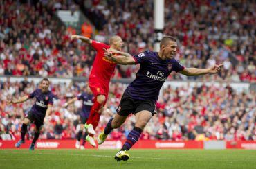 Podolski berjaya menjaringkan gol pertama pada aksi menentang Liverpool, Ahad.