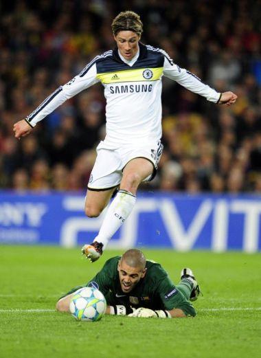 Torres muncul hero Chelsea selepas menjaringkan gol penyamaan pada masa kecederaan.