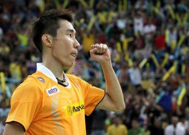 Chong Wei merangkul kejuaraan kali kelapan selepas menewaskan Tago pada aksi final kejohanan Terbuka Malaysia 2012, Ahad.