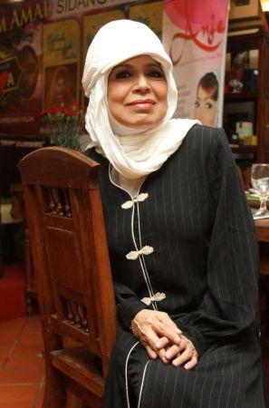 Uji terkilan dengan laporan kononnya dia menarik diri daripada menjayakan Malam Amal Bersama Tiga Diva bagi mengumpul dana untuk Persatuan Ibu Tunggal Selangor yang bakal berlangsung pada Jun ini.