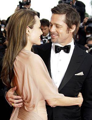 Pitt dilihat cukup mesra bersama Jolie ketika berada di Festival Filem Cannes baru-baru ini