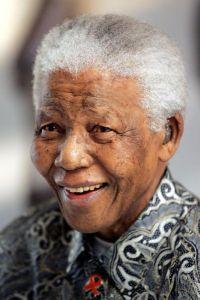 Nelson Mandela masih kritikal.