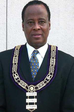 Ahli kardiologi, Dr. Conrad Murray ialah bekas doktor mendiang Michael Jackson. - foto REUTERS