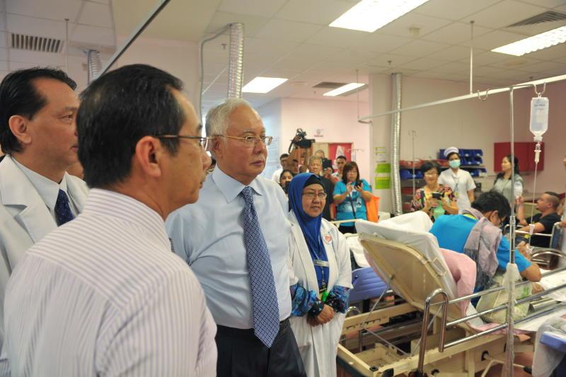 Najib Buat Lawatan Mengejut Ke Hospital Serdang Semasa Mstar