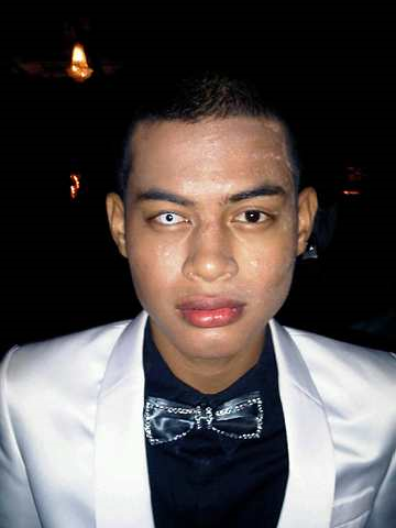 Imej buta Syafie Naswip dalam Anugerah Skrin 2010 pada 24 Disember lalu.