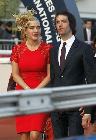 Kate Winslet bersama Ned Rocknroll.