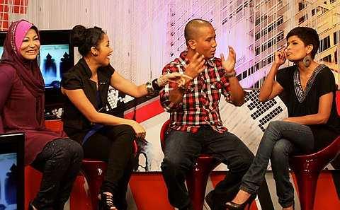 Babak menarik semasa rakaman Revolusi Anugerah Juara Lagu 25 di Sri Pentas, Khamis. - Foto oleh SAMUEL ONG