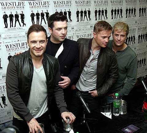 Selepas 14 tahun bersama Westlife yang dianggotai (dari kiri) Shane, Mark, Nicky dan Kian bakal membawa haluan masing-masing bermula tahun depan. - Foto SAMUEL ONG