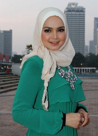 Siti optimis album terbaharunya itu nanti dapat diterima ramai sekaligus membangkitkan kembali industri muzik tempatan.