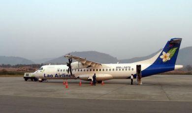 Pesawat Lao Airline ATR-72 500 yang membawa 44 penumpang dan lima anak kapal terhempas di Sungai Mekong lewat malam Rabu.