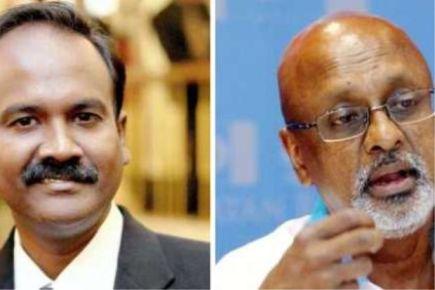 V. Sivakurnar (kiri) dan R. Sivarasa diarah keluar dewan selepas ingkar arahan Speaker.