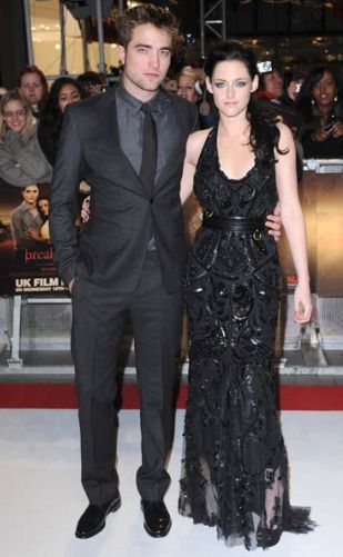 Robert Pattinson dan Kristen Stewart berpisah selepas skandal Kristen dan Rupert Sanders terbongkar.