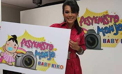 Sharifah Shahira selaku pengacara Fesyenista Manja Baby Kiko musim pertama.