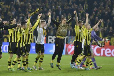 Pemain-pemain Dortmund meraikan kejayaan mara ke separuh akhir selepas menewaskan Malaga pada aksi suku akhir awal pagi Rabu.