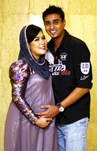 Azad dan isterinya, pelakon Eira Shazira sedang menunggu kelahiran anak pertama mereka pada Januari depan.