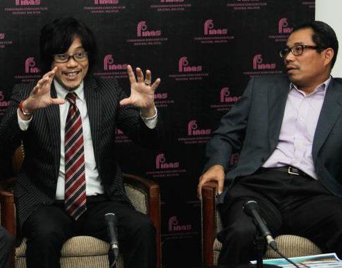Pengarah Studio Finas, Hassan Asbor Hassan Mutaat (kanan) dan Ketua Profesional Asia Tenggara Sony Corporation, Katsuhiro Masaoko. Foto KIMBERLY YEO