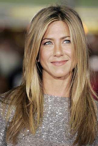 Jennifer Aniston hadir ke tayangan perdana filem