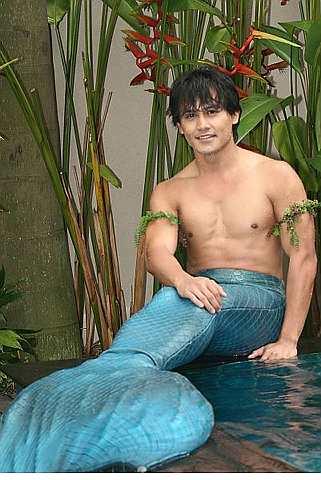 Zach melakonkan watak putera duyung bernama Aridinata dalam Duyong Aridinata di TV3 mulai 12 Julai ini, pukul 4.30 petang dan ulangan di TV9, pukul 8.30 malam. - Foto oleh BRIAN MOH