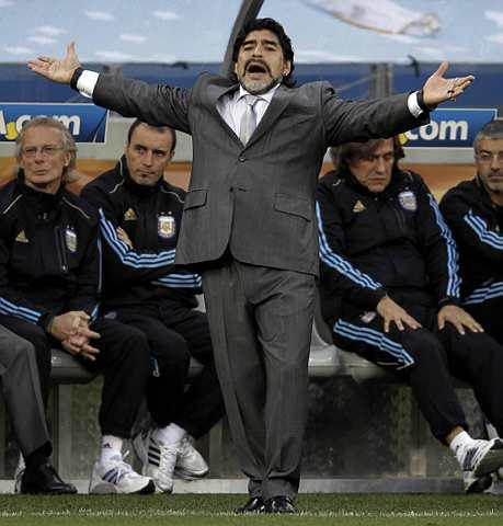 Khidmat Maradona masih diperlukan dalam skuad Argentina.