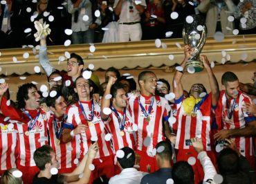 Pasukan Atletico Madrid meraikan kejayaan selepas dinobatkan juara Piala Super Eropah, awal pagi Sabtu.