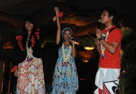 Syarifah Syazana Ishak ketika diumumkan sebagai pemenang oleh Mila dan Akim.