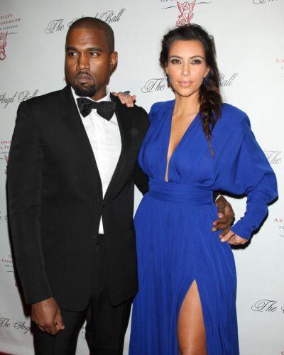 Kanye dan Kim sedang menanti kehadiran cahaya mata pertama mereka.