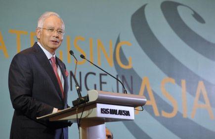 Perdana Menteri Datuk Seri Najib Tun Razak menyampaikan ucaptama pada majlis makan malam '27th Asia Pacific Round Table' di Kuala Lumpur, Isnin malam. -fotoBERNAMA