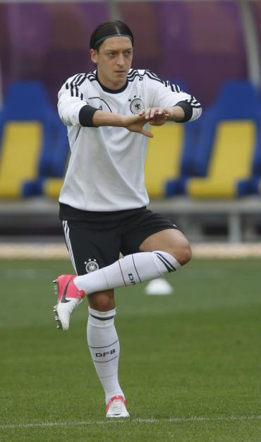 Ozil merupakan salah seorang ayam tambatan bagi skuad Jerman.
