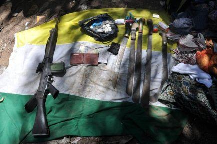Antara senjata dan peralatan yang dirampas dalam operasi pembersihan oleh pihak keselamatan di Kampung Tanduo. foto ATM