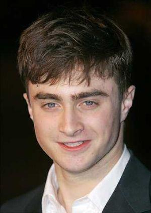Daniel Radcliffe lebih berminat pada wanita yang tua darinya. - foto AP