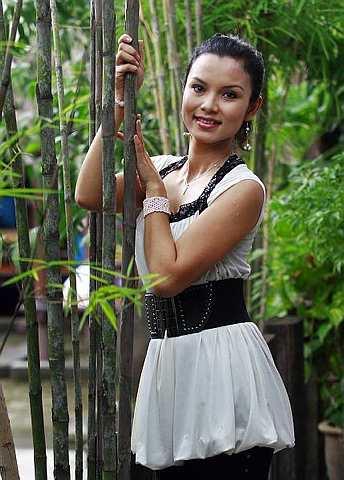 Nisha baru habis membuat penggambaran telefilem berjudul Prima Facie untuk Radio dan Televisyen Malaysia (RTM) terbitan MNN Entertainment Sdn Bhd. - Foto THE STAR Oleh CHAN TAK KONG