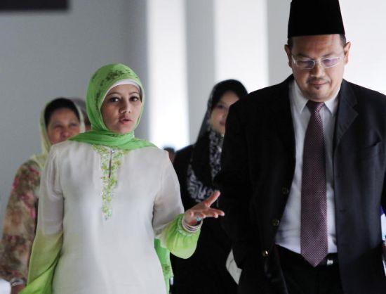 A.Aida memberitahu sudah bersedia untuk mendedahkan kisah rumah tangganya di mahkamah selepas menfailkan tuntutan fasakh terhadap suaminya, Suffian Sulaiman di Mahkamah Syariah Jalan Duta, Kuala Lumpur pada Jumaat.