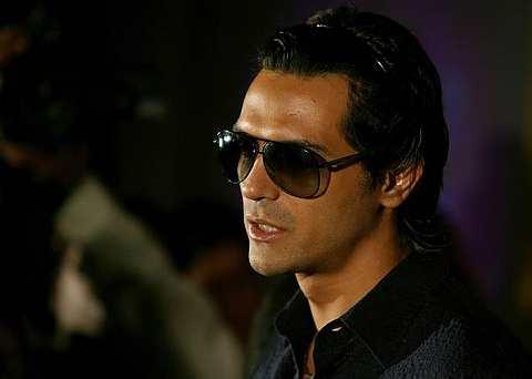 Arjun meminta maaf kepada idolanya Amitabh Bachchan kerana terlupa menyebut nama veteran itu pada majlis penyampaian Anugerah baru-baru ini.