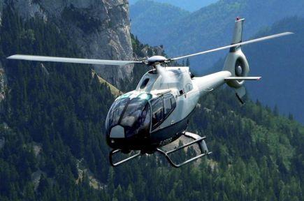 Sebuah helikopter jenis Eurocopter EC 120 inilah yang dalam penerbangan ke Nanga Merit, Kapit dari Lapangan Terbang Antarabangsa Kuching (LTAK) dipercayai terhempas dekat Muara Aungai Lingga, Sri Aman pagi Jumaat. Juruterbang warga Jerman, Rico Steger, 35, diselamatkan sekumpulan nelayan tempatan manakala nasib tiga penumpang masih belum diketahui. Pasukan Gerakan Marin dan Agensi Penguatkuasa Maritim Malaysia (APMM) telah melancarkan operasi mencari dan menyelamat tiga penumpang yang masih hilang itu. - foto BERNAMA.