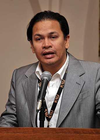Pengerusi Persatuan Industri Rakaman Malaysia (RIM), Norman Abdul Halim menggalakkan lebih ramai penggiat seni memohon Dana Industri Kreatif. - Foto The Star oleh LIM CHENG KIAT