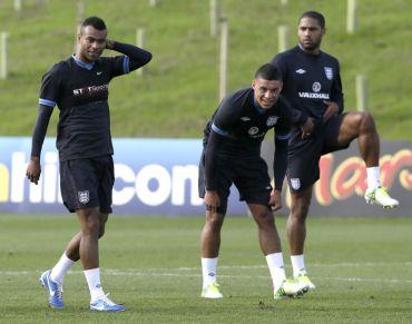 Cole (kiri) belum pasti beraksi pada Kelayakan Piala Dunia bertemu San Marino dan Poland minggu ini.