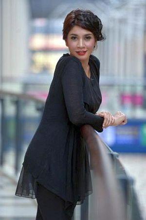 Izreen kini hamil hampir empat bulan. - Foto oleh RAJA FAISAL HISHAN
