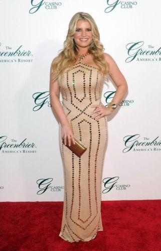 Jessica Simpson dilaporkan sedang hamil anak kedua selepas tujuh bulan melahirkan anak pertama.
